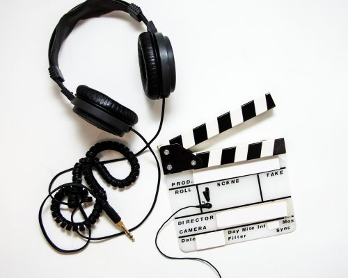 headphones-4223911_1920